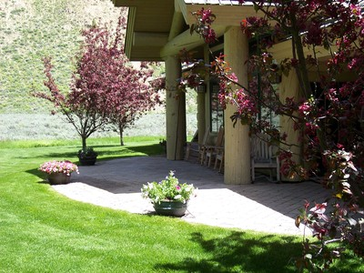 gallery/medium/0 (39)-Landscaping-Ketchum-Idaho.jpg