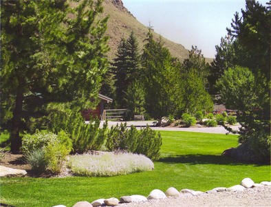 gallery/medium/202 (25)-Garden-Design-Hailey-Idaho.jpg