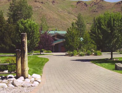 gallery/medium/202 (26)-Garden-Design-Hailey-Idaho.jpg